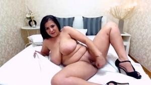 Enormous Tits Bouncing